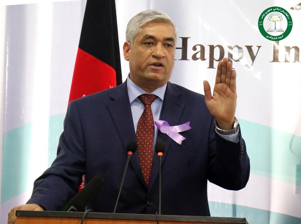 څارنپوه محمدفرید حمیدی لویڅارنوال دولت جمهوری اسلامی افغانستان حین سخنرانی در برنامۀ گرامیداشت از هشت مارچ